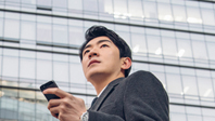2030 스마트폰할 때 2위는 SNS, 1위는?