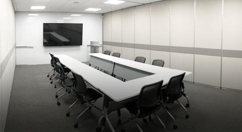 더 효율적인 커뮤니케이션을 위한 쾌적한 회의실 사진